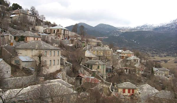 Ideal as a base for excursions in Zagori area, Kato Pedina (Soudena), is a unique village! Located in central Zagori between Monodendri and Papingo, it has excellent access to Ioannina, just a 35 minutes' drive