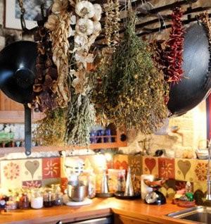 Το μαγειρείο τού Ξενώνα Ανέμη στα Κάτω Πεδινά στο Ζαγόρι